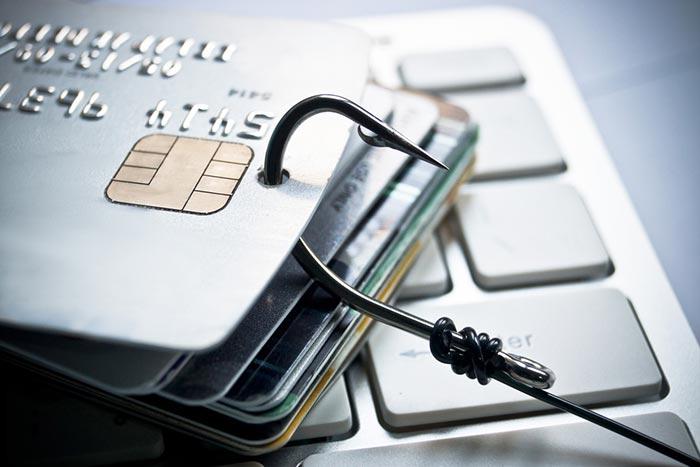 سرقت اطلاعات کارت های اعتباری و بانکی