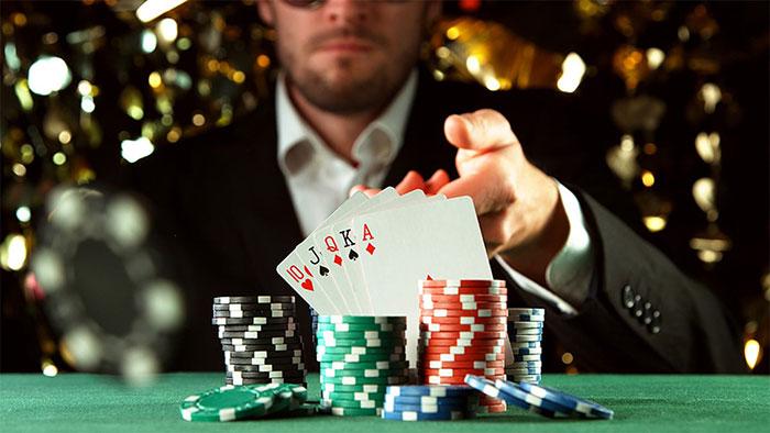 نقد برنده شدن در بازی پوکر آنلاین