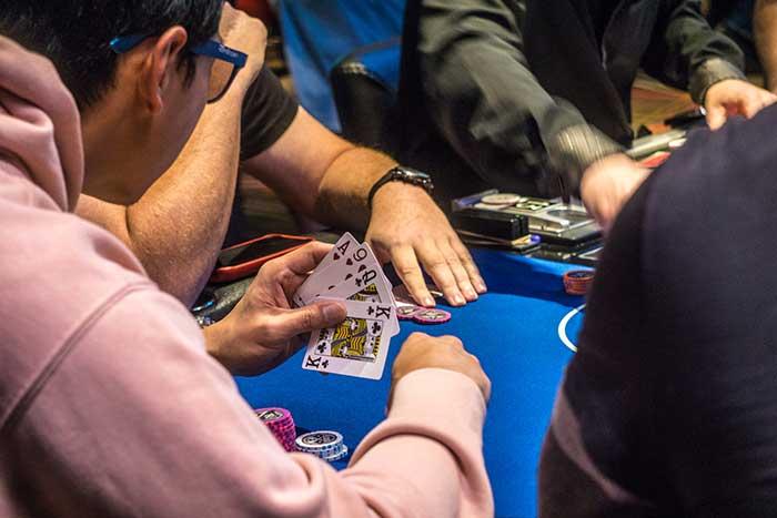 برنده شدن در بازی پوکر اوماها