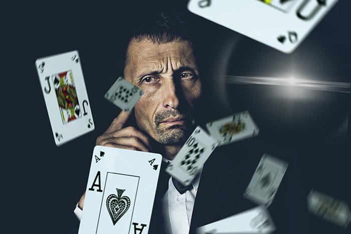 روش شدن کارتها و برنده شدن در بازی پوکر